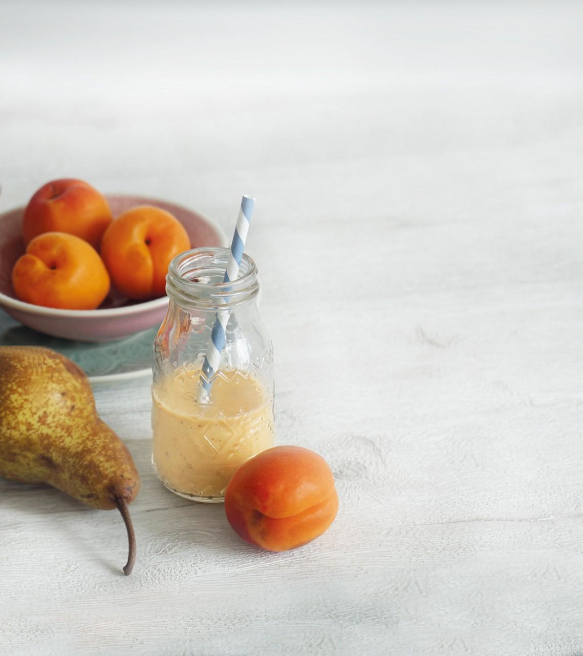 Marille-Birne-Kindermilch Smoothie
