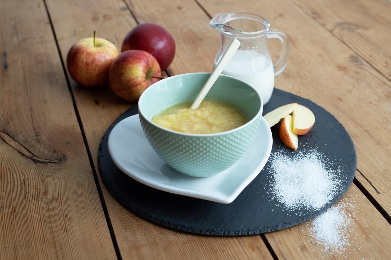 Getreide-Obst-Brei mit Apfel