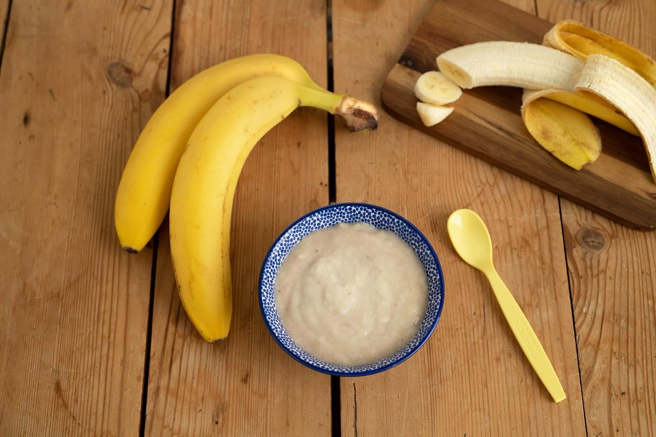 Getreide-Obst-Brei mit Banane