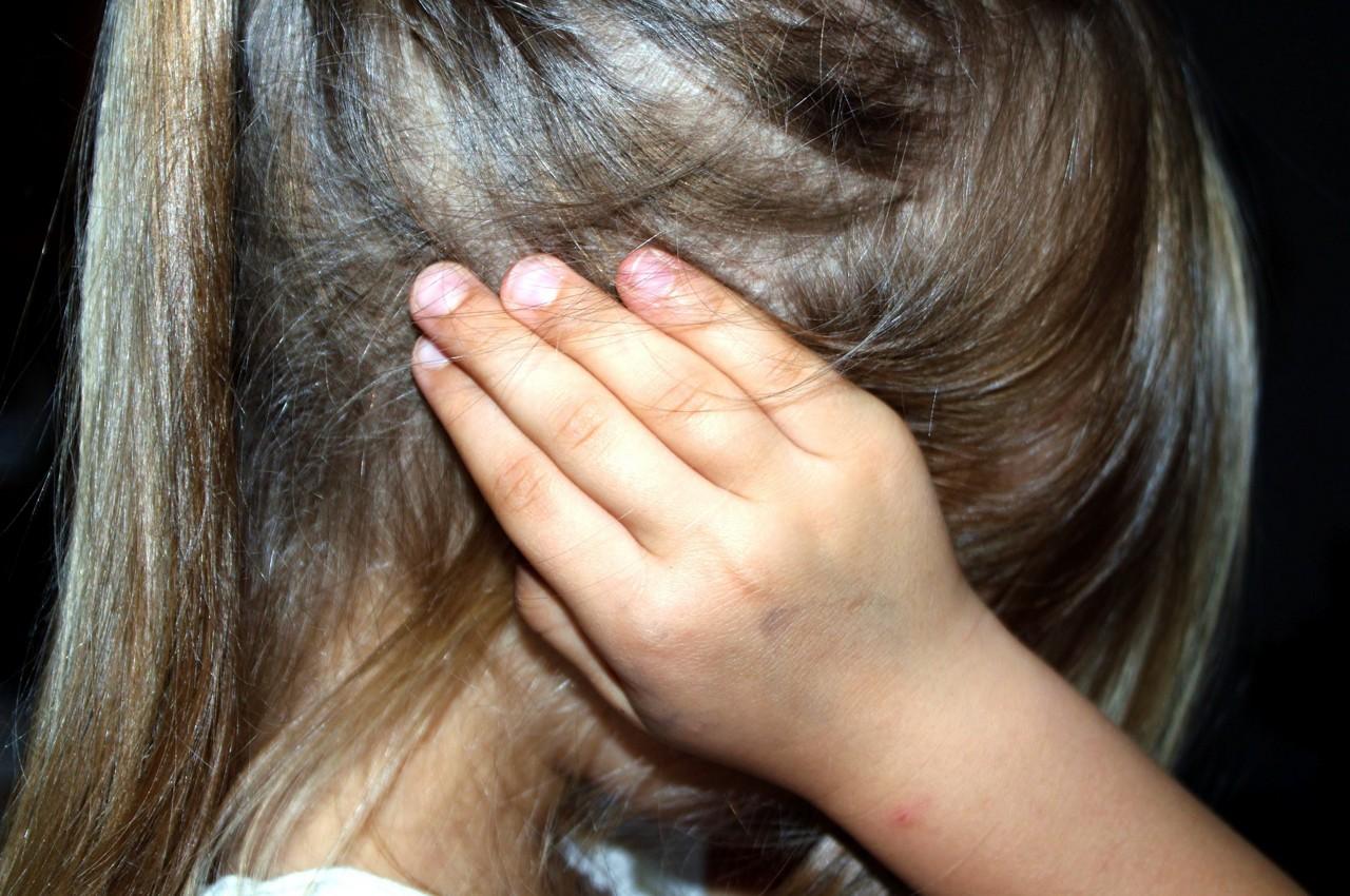 AptaGro girl closing ears article website