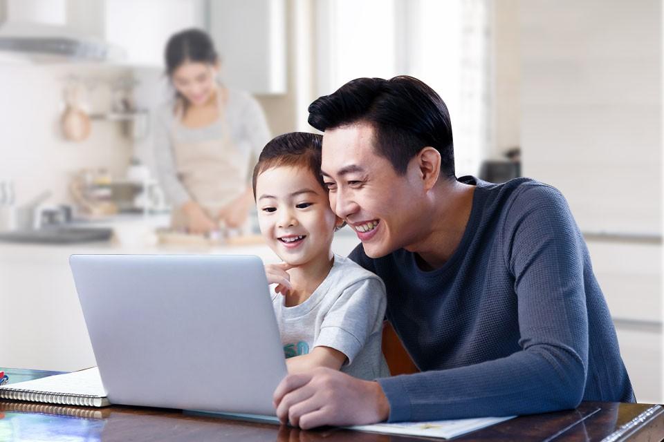 aptagro-parent-child-interaction-what-do-i-look-like-image