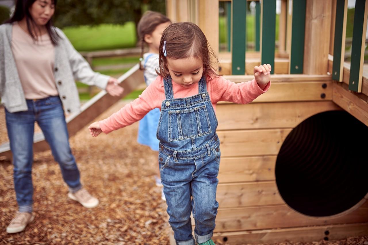 Aptamil ELP playground toddler 09
