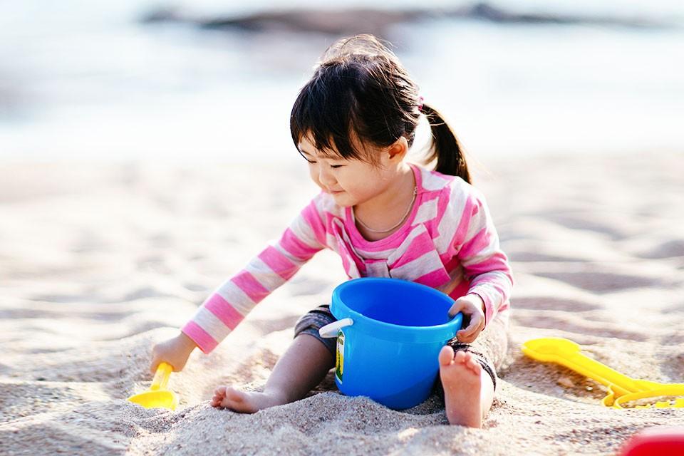 article-dirt-immunity-playing-outside