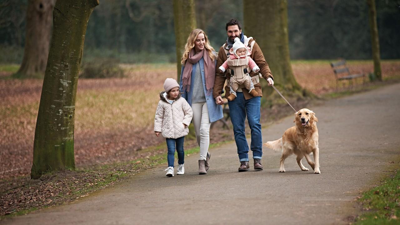 Newborn and family suburban walk 3840 2160