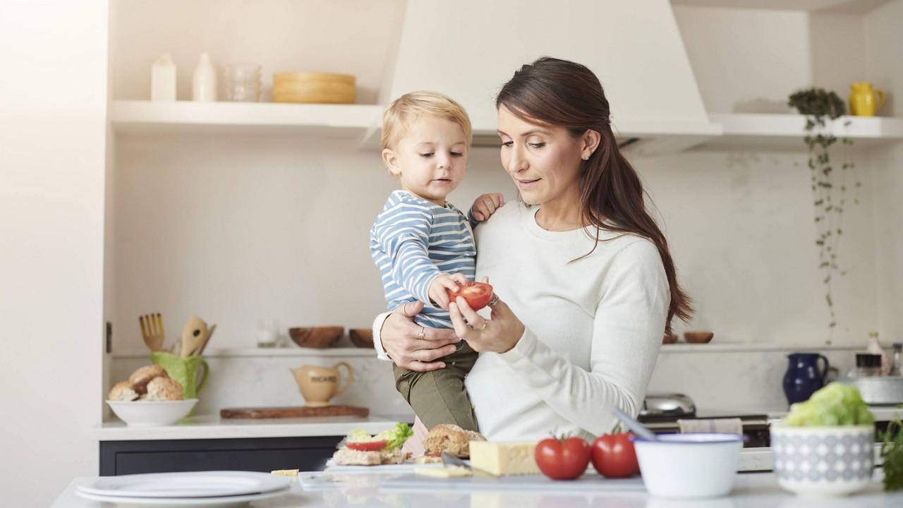 nutricia-mother-son-preparing-food.jpg