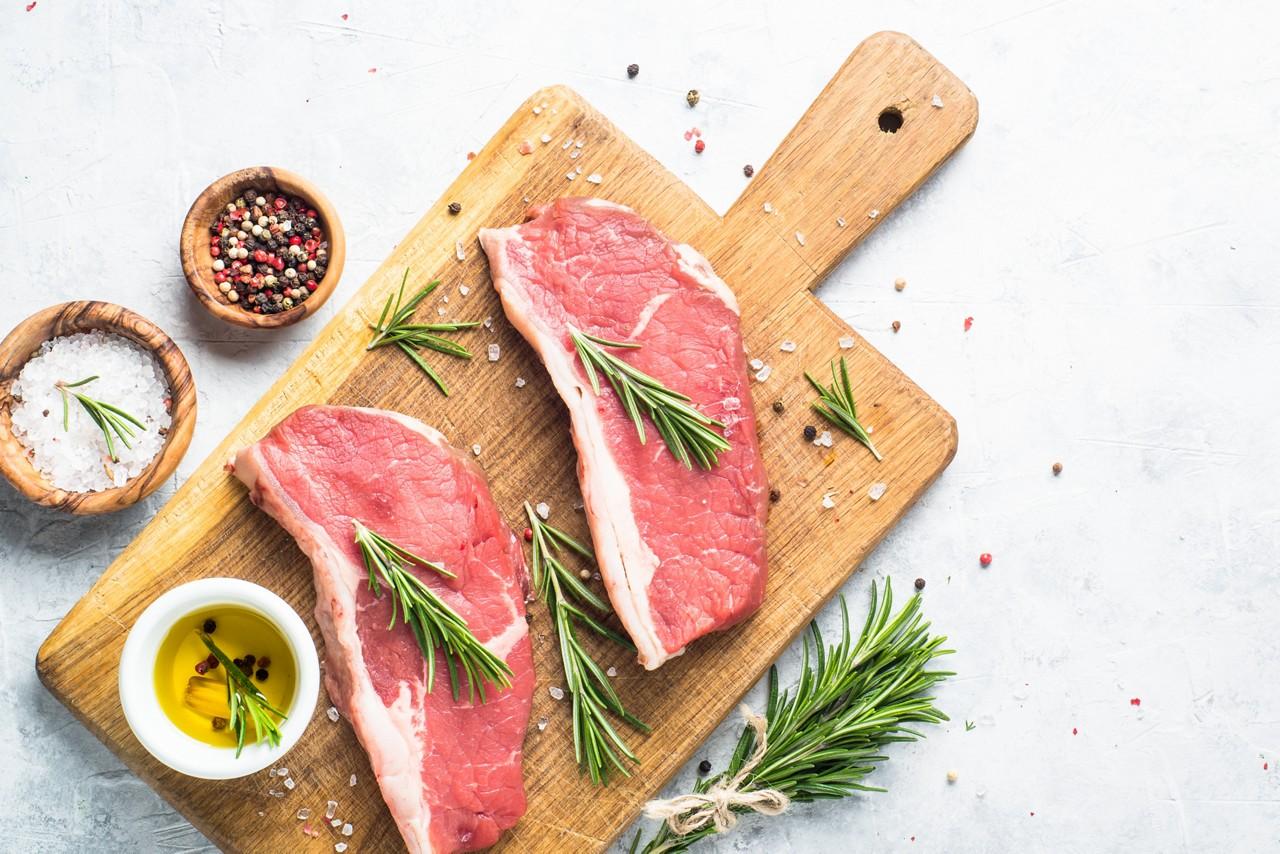 raw-steak-rich-in-zinc