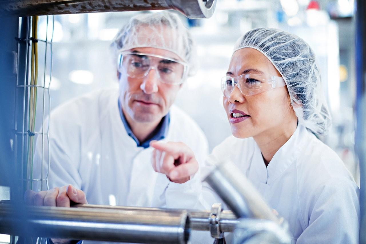 Nutricia Forscher im Labor