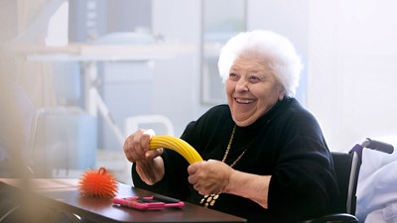 Woundcare elderly exercize 3840px