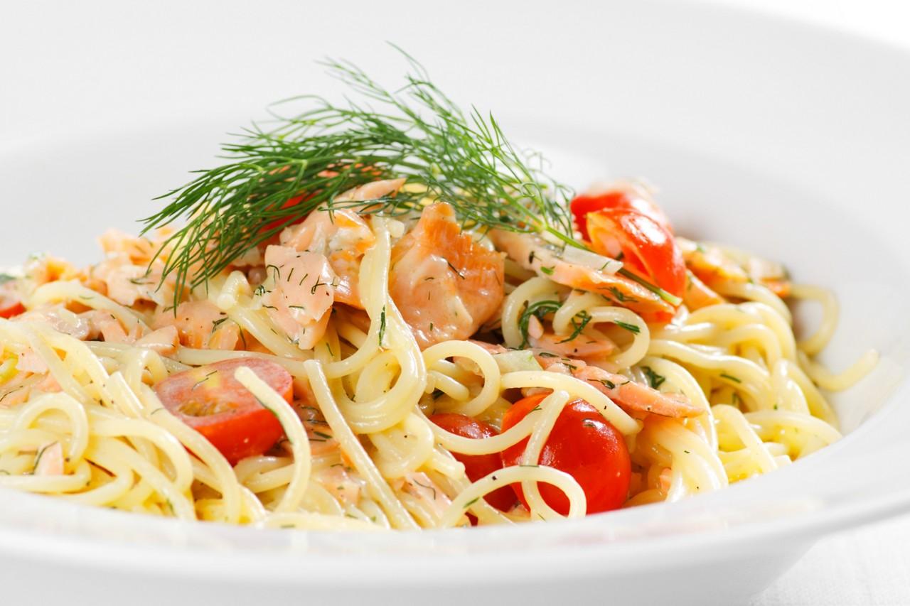 Spaghetti mit Lachs und Fenchel
