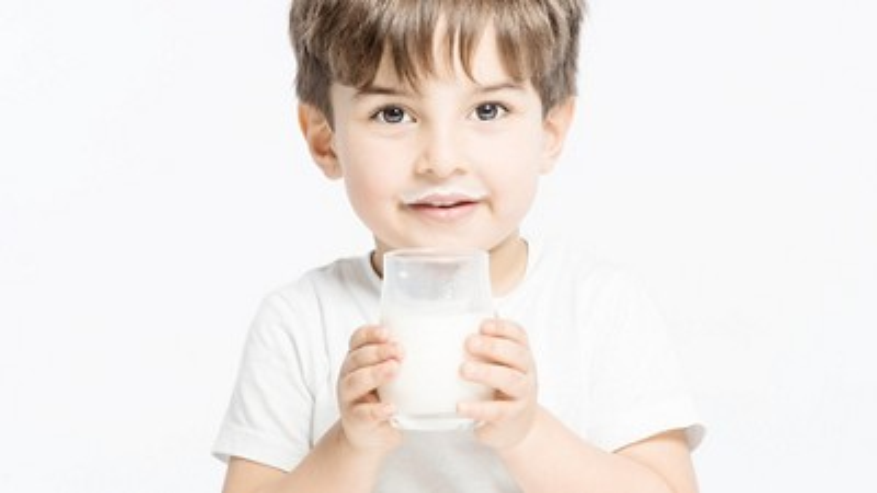 Import milk from overseas masthead