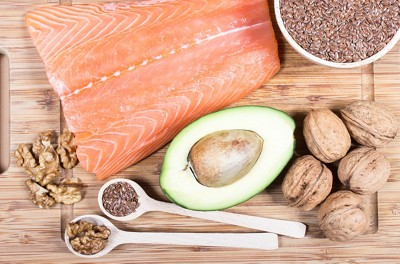 Sources of omega 3 fatty acids: flaxseeds avocado salmon and walnuts
